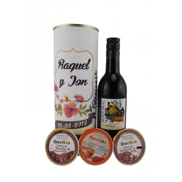 Lata con vino tinto Mayoral con crema de morcilla, crema de lomo curado y cema de salchichón
