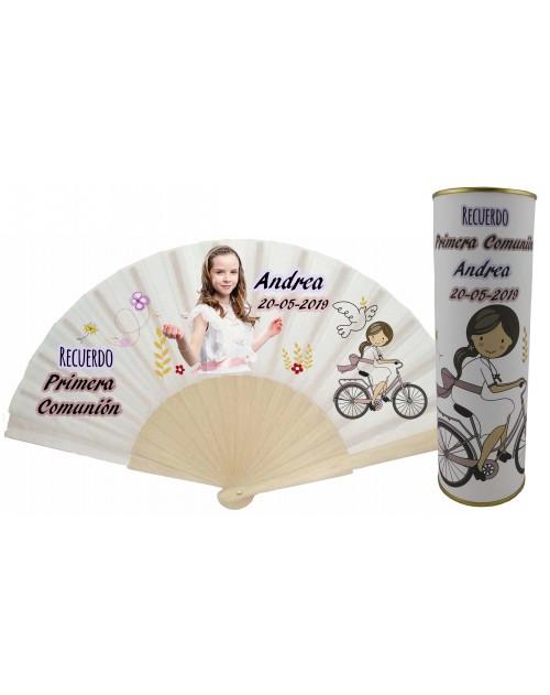 Abanico varillas de madera PERSONALIZADO con foto y texto de Comunion niña con bicicleta en lata