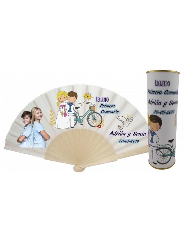Abanico varillas de madera PERSONALIZADO con foto y texto de Comunion niño marinero y niña rubia en lata